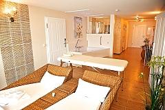 hotelzimmer mit sauna und whirlpool